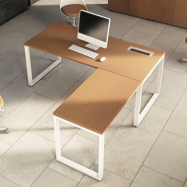 Mesa con extensi n l mesa de oficina con extensi n l for Pasacables mesa oficina
